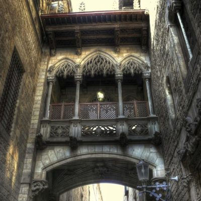 THE GOTHIC QUARTER & EL BORN & SAGRADA FAMILIA 4 HRS